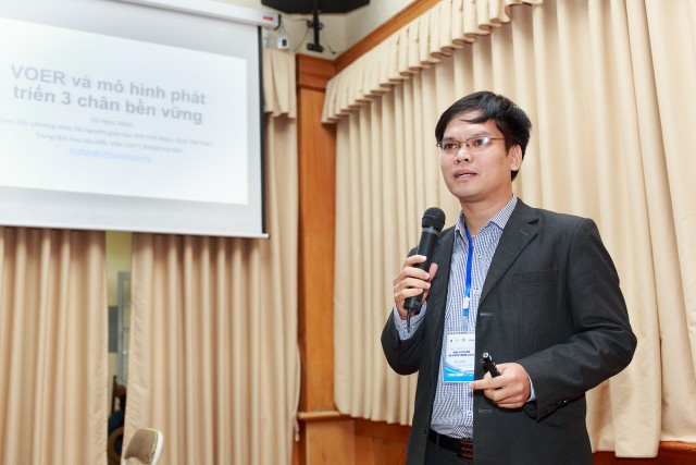 Minh Do at oer conference 2015